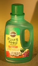 Liquid Miracle Gro Pour & Feed Fertilizer - 8 oz