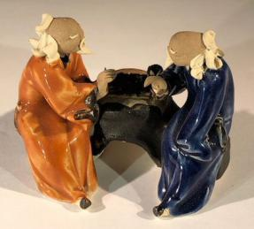 Ceramic Figurine<br>Two Men Sitting On A Bench Playing Chess - 3