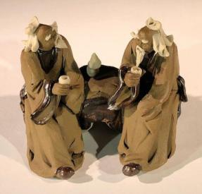 Ceramic Figurine<br>Two Mud Men Sitting On A Bench Drinking Tea - 2.5